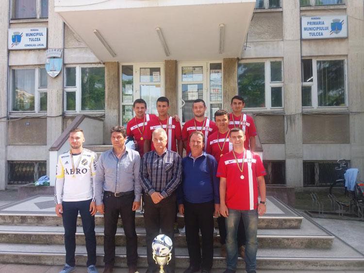 Dansatorii de la Baladele Deltei, campioni şi la… fotbal!