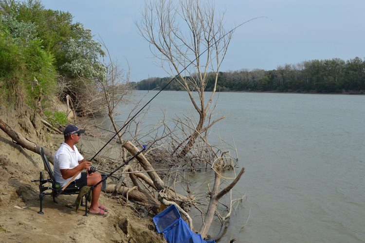 De astăzi, liber la pescuit: prohibiţia a fost ridicată!