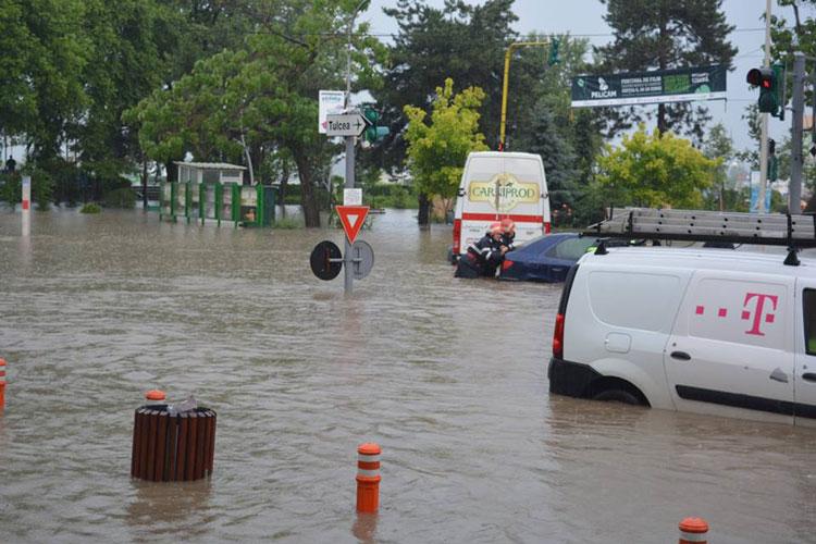 Ploaia torenţială a făcut prăpăd la Tulcea