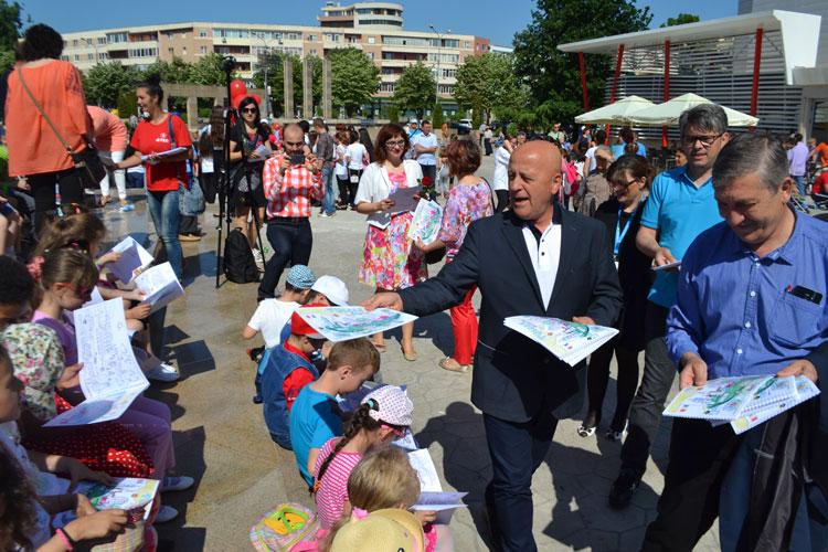Ziua Copilului, în Piaţa Civică