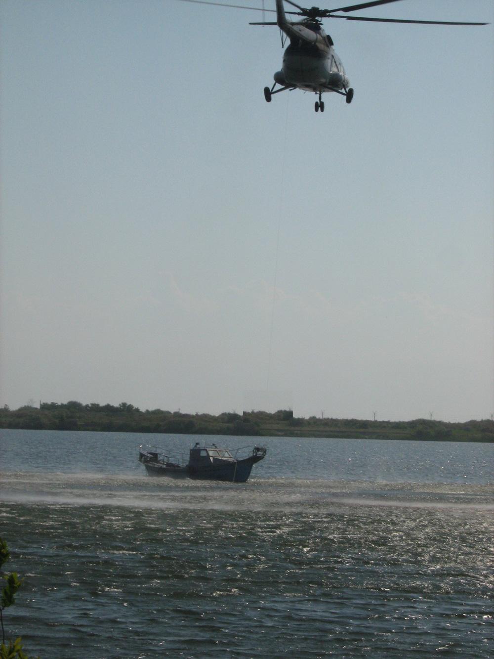Aparatele de zbor pot survola teritoriul Rezervaţiei doar în baza unui permis eliberat de ARBDD: cel mai conştiincios e Ion Ţiriac!