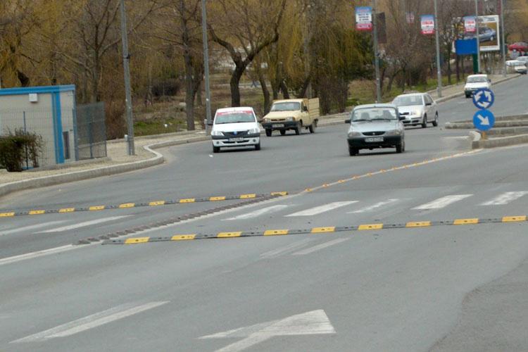 Limitatoarele de viteză, menţinute de Poliţie pe străzile municipiului