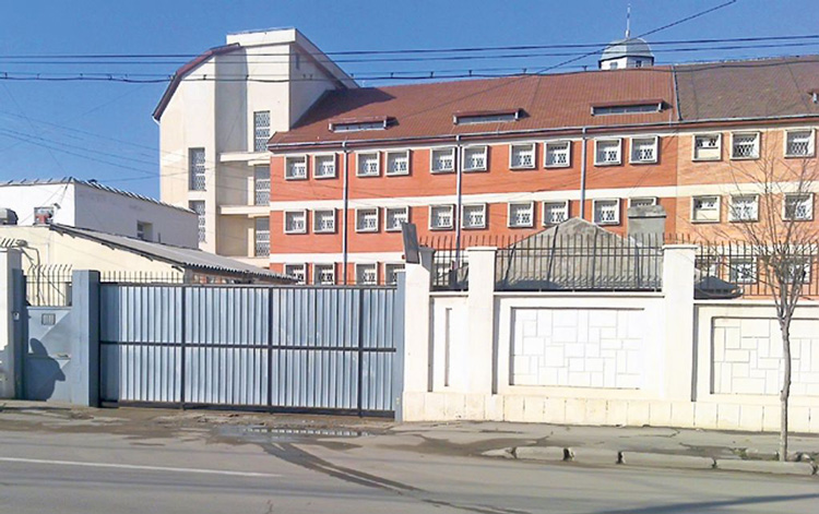 Protest pe stomacul plin la Penitenciarul Tulcea