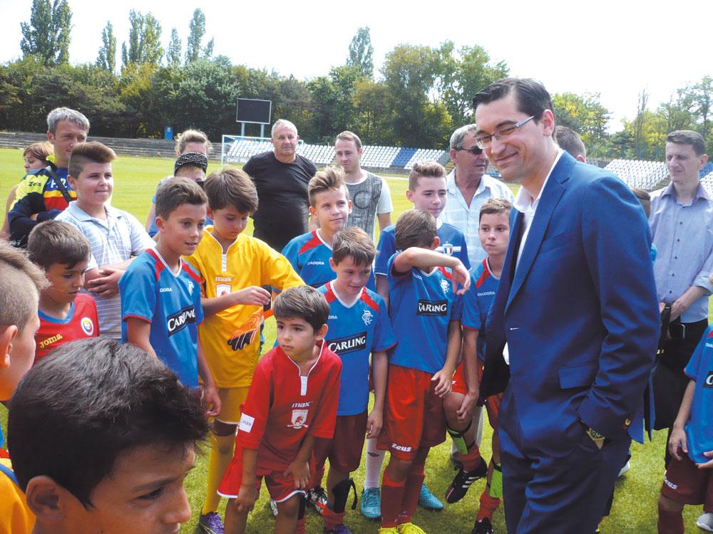 Federaţia Română de Fotbal este interesată să finanţeze realizarea unui teren sintetic la Tulcea