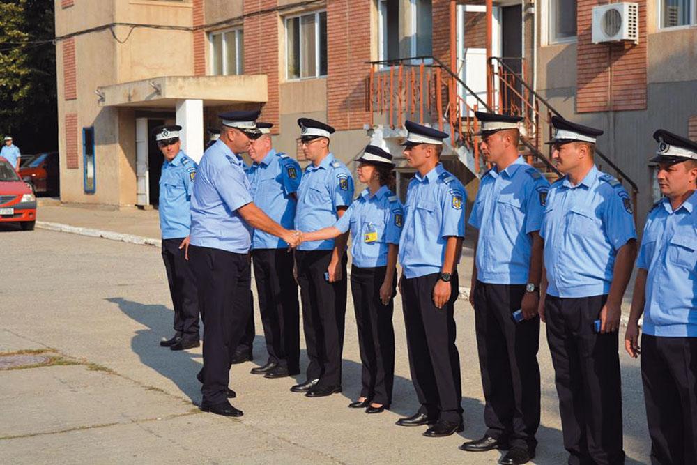 Patru ofiţeri şi 22 de subofiţeri, avansaţi în grad la Inspectoratul de Jandarmi Judeţean Tulcea