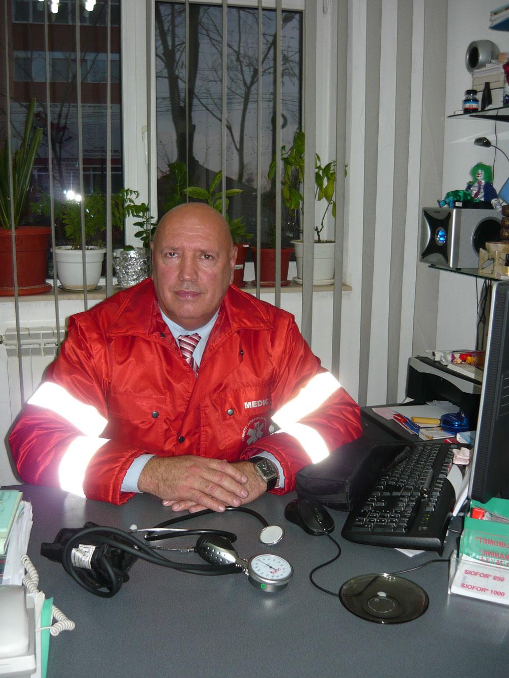 Dr. Dumitru Vâlcu: Crucea Roşie vrea lecţii de prim ajutor în şcolile din municipiu