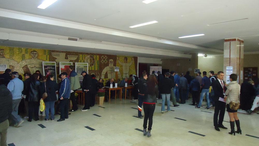 Bursa locurilor de muncă: mai multe locuri oferite decât numărul tulcenilor prezenţi