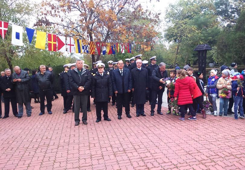 Militari, oficialităţi locale şi elevi de la şcolile din municipiu – la manifestările organizate cu ocazia Zilei Armatei