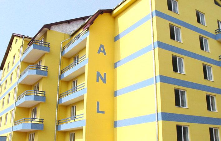 Studiul de fezabilitate pentru construirea a 110 locuinţe ANL, scos la licitaţie: primăria are peste 1.200 de cereri depuse