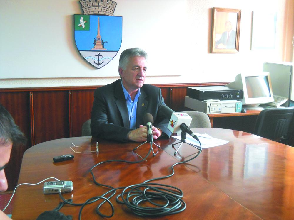 Primarul Hogea, detaşat în perspectiva alegerilor  parlamentare