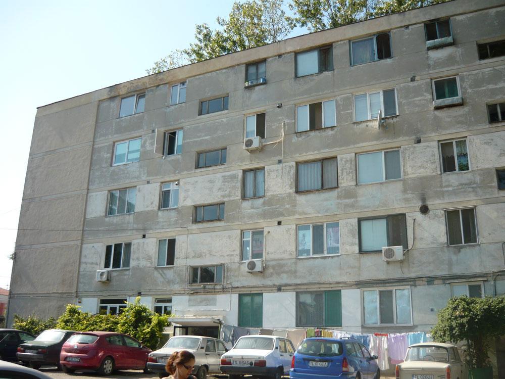Şaisprezece familii din blocurile I3 şi I4 vor fi mutate din locuinţe în primăvară, pentru finalizarea lucrărilor de consolidare