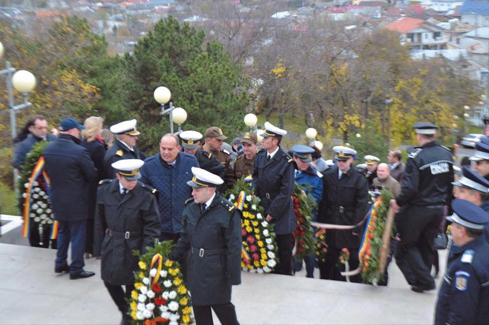 Ziua naţională a Dobrogei, marcată cu depuneri de coroane, spectacole artistice şi o expoziţie dedicată Comisiei Europene a Dunării