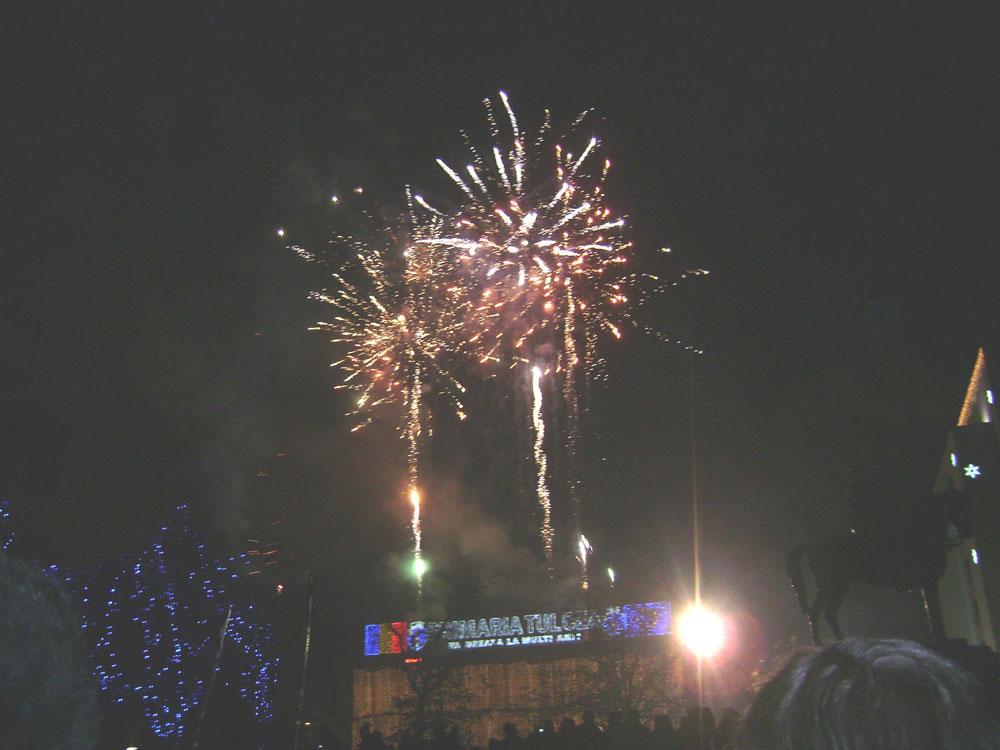 Revelion în Piaţa Civică: DJ Ionică Coman pune muzica, primăria dă artificiile de la miezul nopţii!