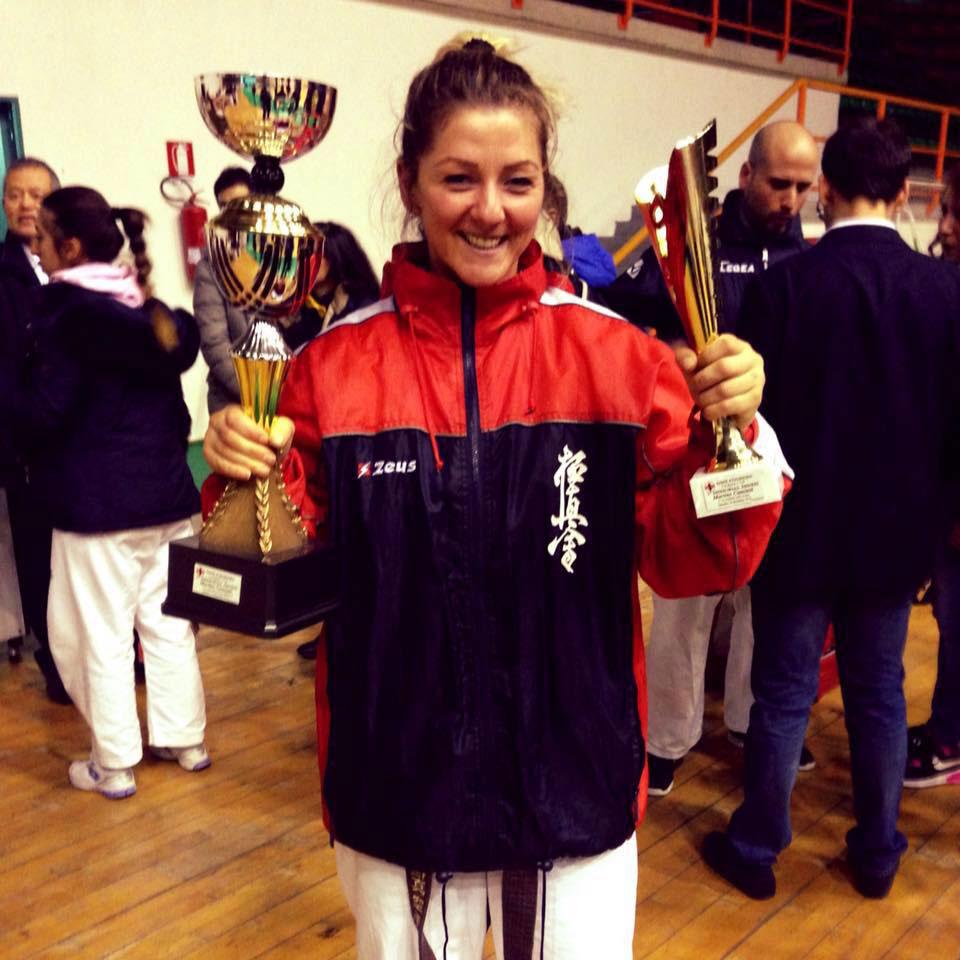 Tulceanca Nicoleta Filomencu, dublă campioană naţională a Italiei la karate kyokushin