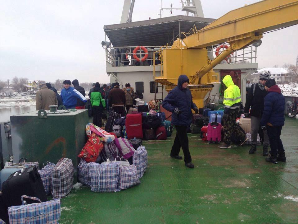 Peste 1.000 de persoane din Deltă transportate de remorcherele Forţelor Navale Române