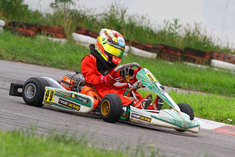 Primarul Constantin Hogea a dat circuitul de karting pe o parcare supraetajată