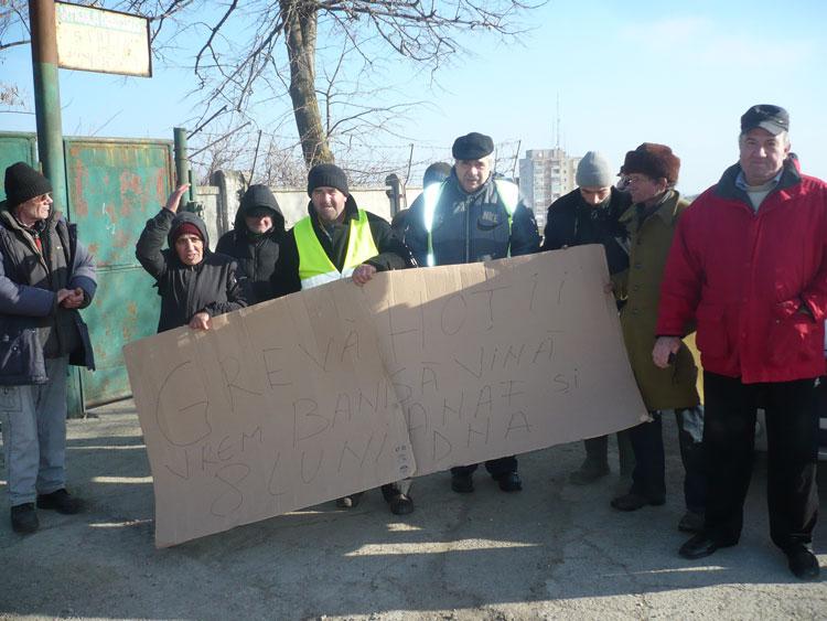 Protest la Murfatlar: angajaţii din Tulcea ai societăţii reclamă faptul că nu şi-au mai primit salariile de opt luni!