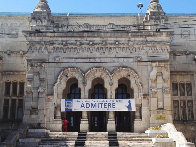 """Universitatea """"Dunărea de Jos"""" din Galați sprijină copiii absolvenților cu reduceri substanțiale la Admiterea 2017"""