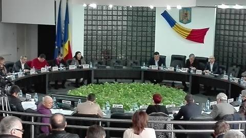 Consilierii judeţeni au aprobat repartizarea sumelor către primării