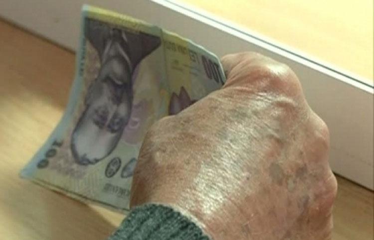Casa de Ajutor Reciproc: 80 de pensionari au primit ajutoare băneşti de Paşte la Tulcea