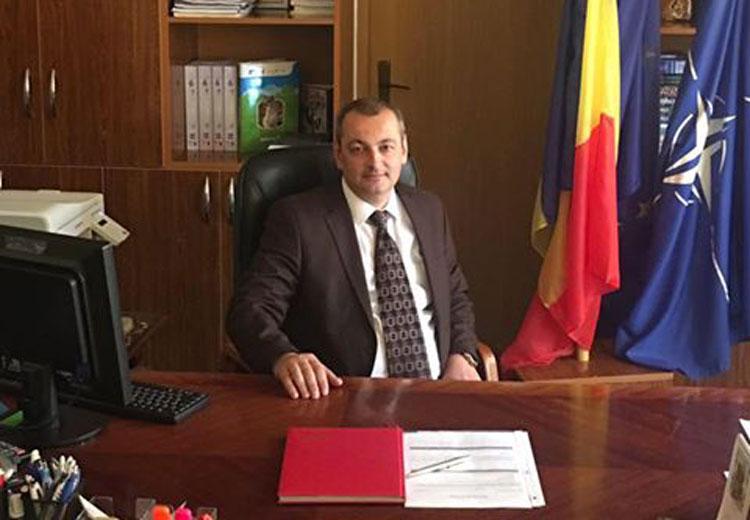 Noul prefect de Tulcea, avocatul Lucian Furdui, învestit oficial în funcţie