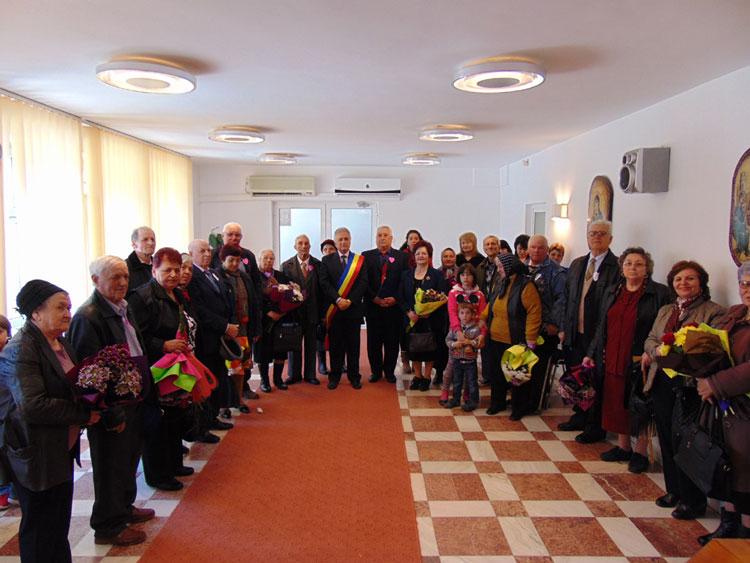 Primarul Hogea a premiat încă zece cupluri care au sărbătorit nunta de aur