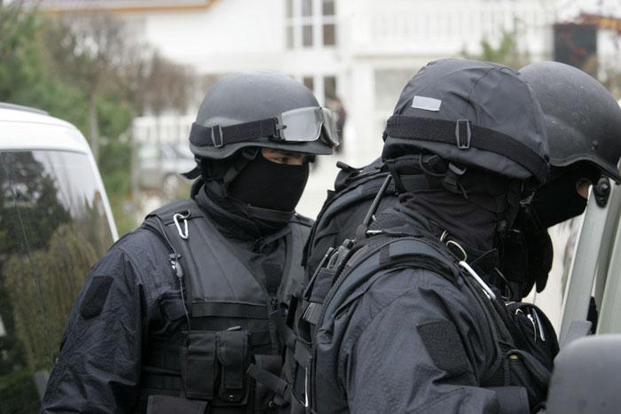 Traficanţi de droguri reţinuţi de poliţiştii tulceni