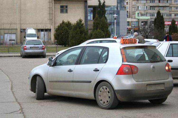 În audienţă la prefect: de ce nu se dă examenul auto la Măcin?