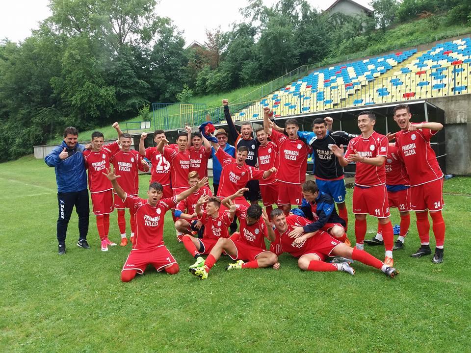 Au câştigat turneul semifinal de la Bacău