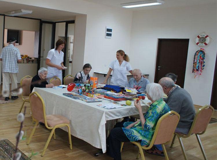Primăria Tulcea testează piaţa imobiliară: oferă  100.000 euro pentru un cămin de bătrâni