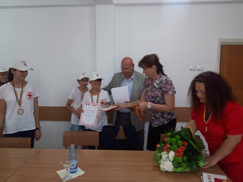 Sanitarii Pricepuţi: elevii Şcolii Alexandru Ciucurencu, campioni naţionali