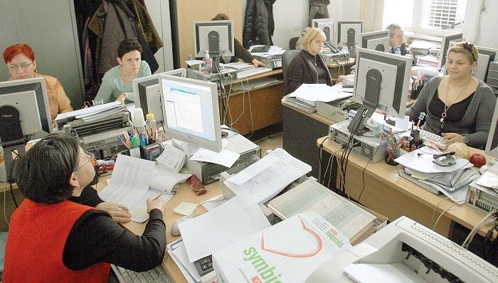 Se anunţă furtună în legislativul local: salariile angajaţilor Primăriei, la vot în plen
