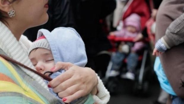 Indemnizaţie uriaşă de creştere a copilului în Tulcea: un tătic primeşte 43.000 de lei lunar