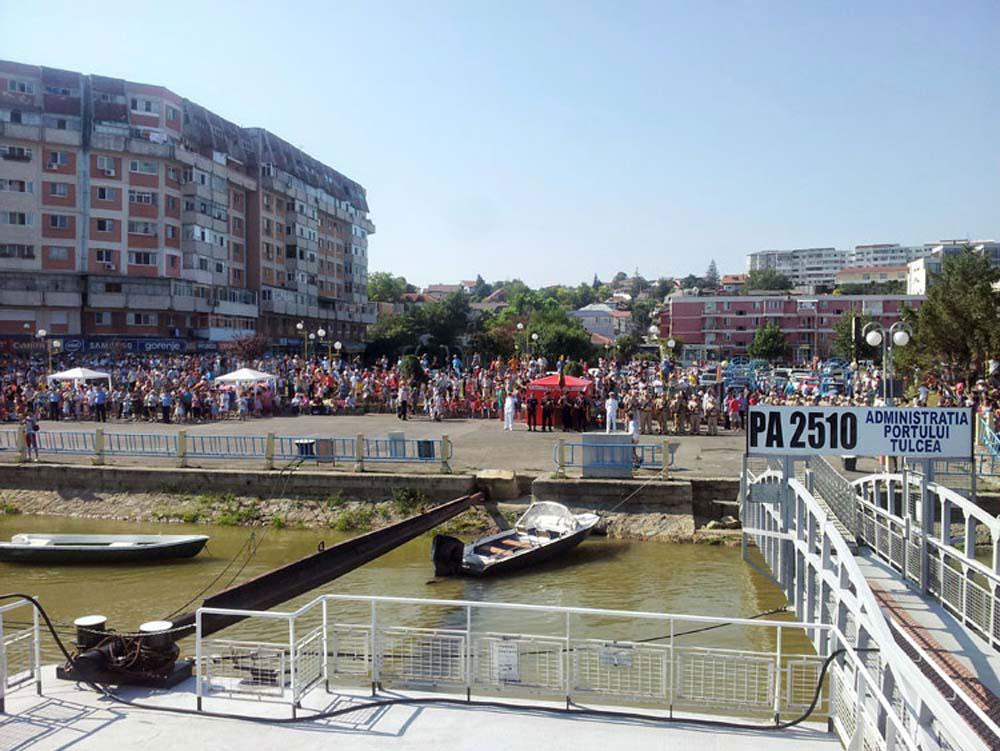 Peste 700 de poliţişti vor păzi minivacanţa de Sfânta Maria