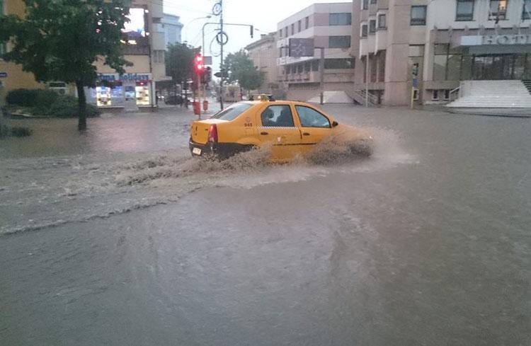 Lucrare amplă care să ne scape de inundaţiile din centrul municipiului, angajată de Municipalitate