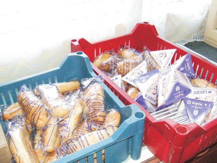 Fraher şi Deltalact vor să distribuie laptele elevilor tulceni