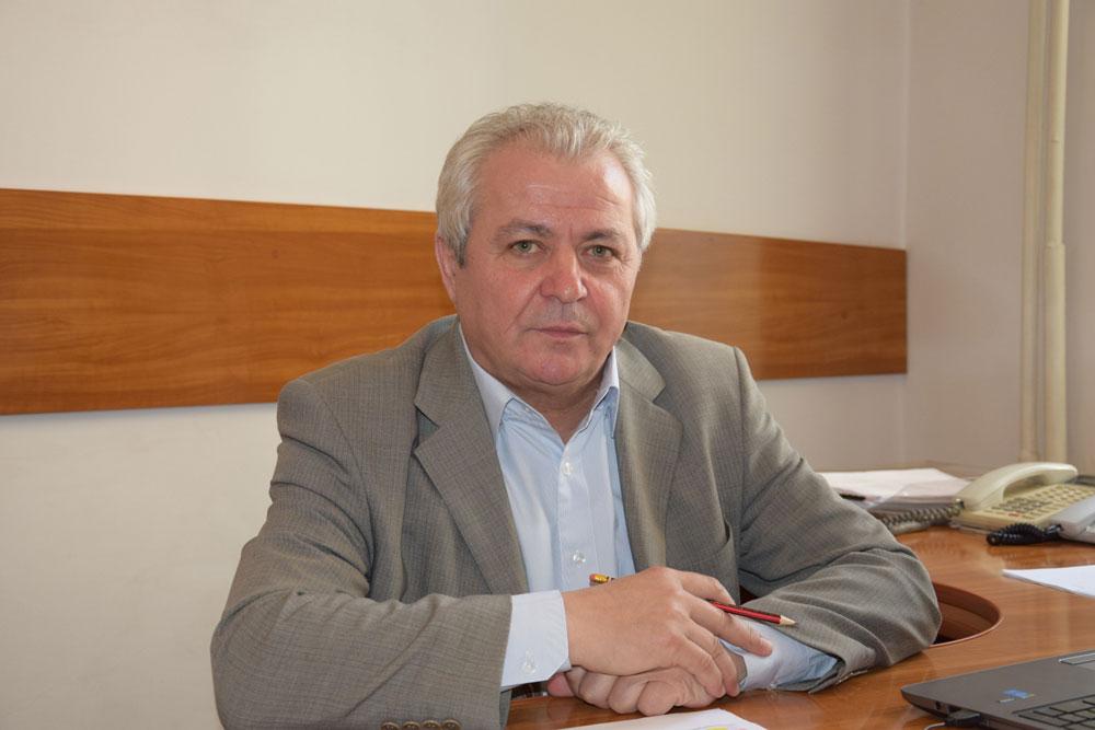 Curtea de Apel a amânat pronunţarea în cazul demiterii lui Mihai Stroe de la şefia Inspectoratului Şcolar
