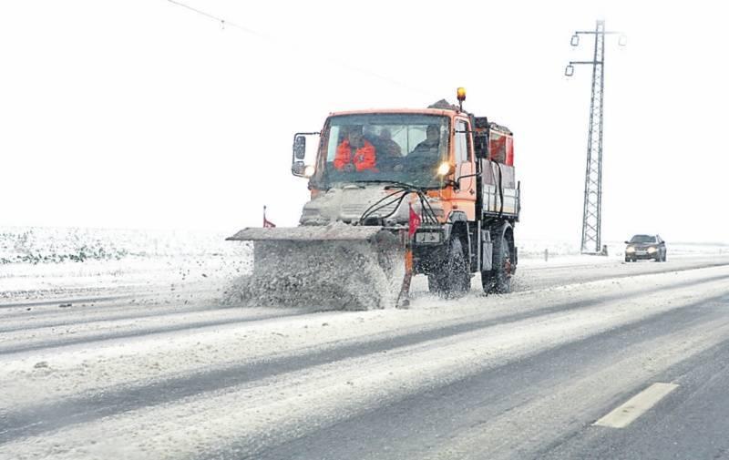 Vine iarna: 14 primării au încheiat contracte de deszăpezire