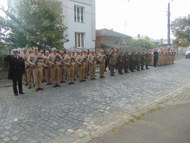 Ziua Armatei Române la Tulcea: defilări, ceremoniale militare şi religioase, expoziţie de tehnică militară
