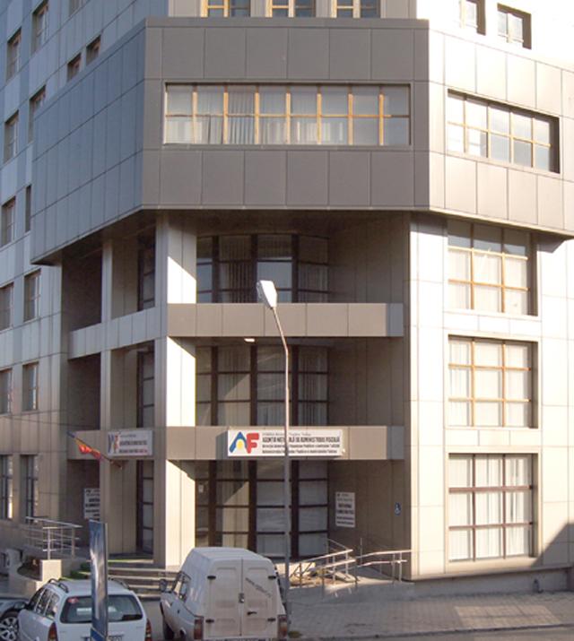 """Fiscul de la Tulcea rămâne cel mai aprovizionat """"magazin"""" de chilipiruri din judeţ"""