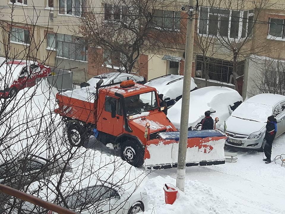 Pregătiri de iarnă. Primăria Tulcea închiriază utilaje, cu tot cu şoferi