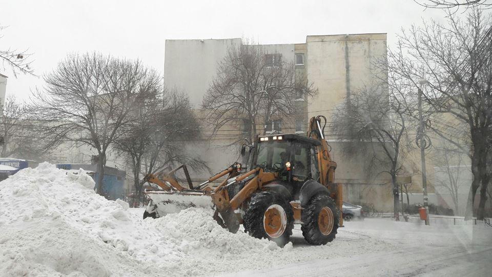 Utilajele de la Drumuri Judeţene vor deszăpezi municipiul pe timp de iarnă