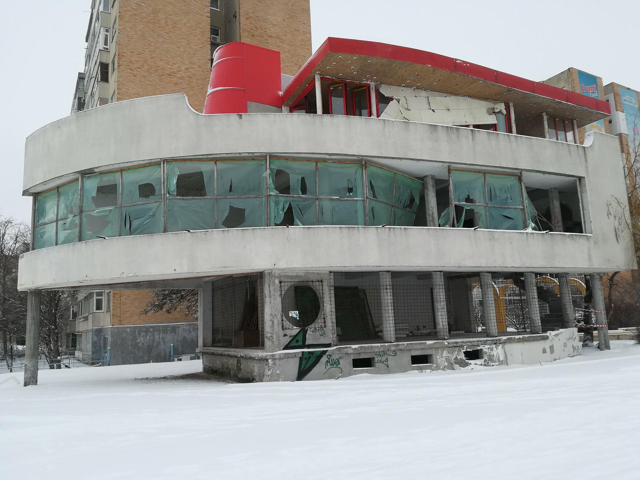 Clădirea abandonată de pe faleza municipiului va fi demolată