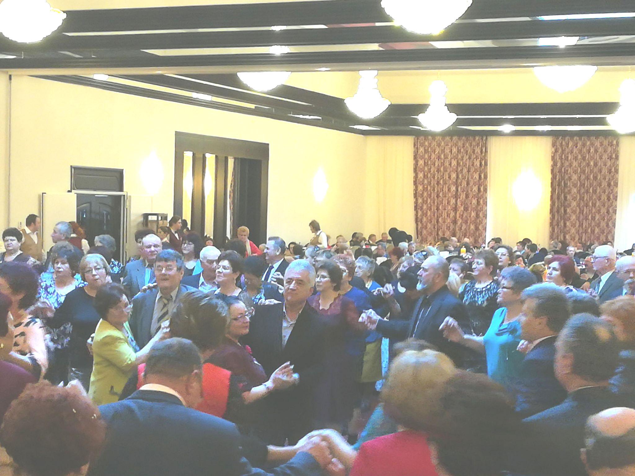 Primarul Hogea şi peste 1000 de tulceni s-au distrat la Revelionul pensionarilor