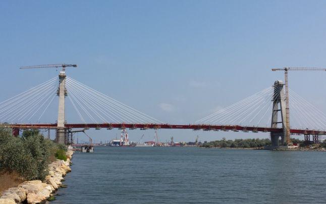 S-a semnat contractul pentru construcţia podului dintre Brăila şi Tulcea