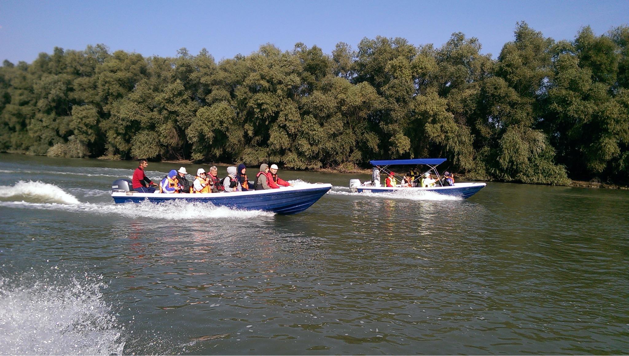 Turismul tradiţional din Deltă se face peste jumătate la negru