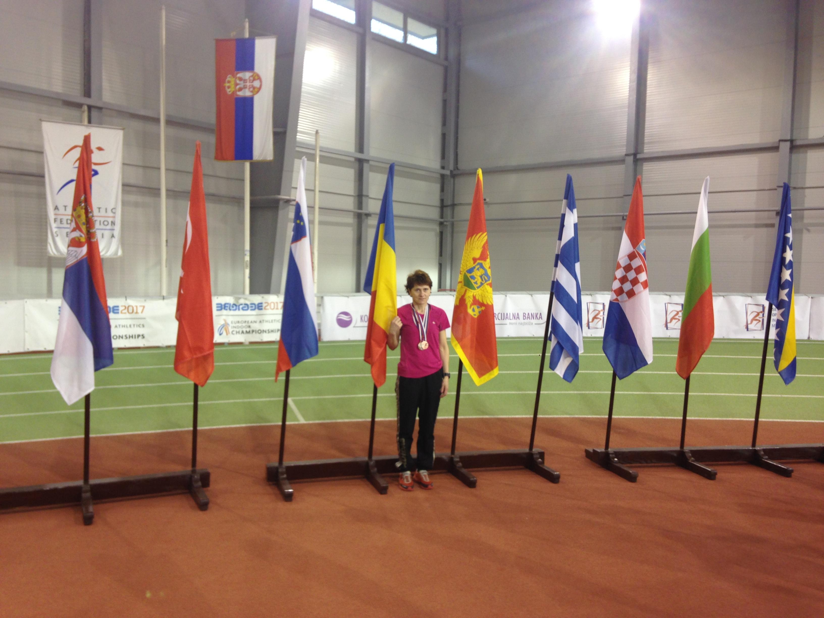 Ionela Dobrea din Măcin, triplu medaliată la Balcaniada de Sală Masters de la Belgrad