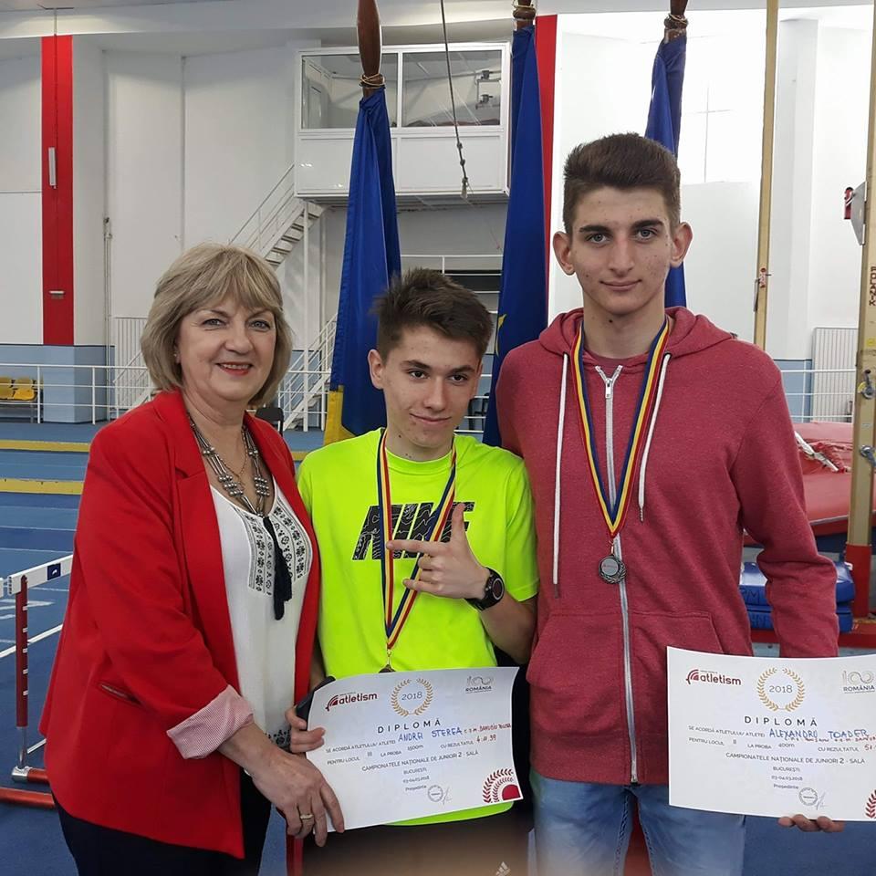 O medalie de argint şi două de bronz pentru elevii  Elenei Fidatov la Campionatul Naţional Sală Juniori II