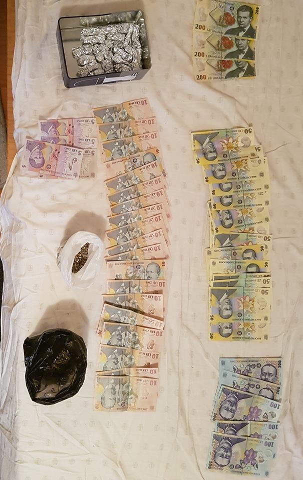 Zece tineri din Tulcea au fost arestaţi pentru trafic de droguri
