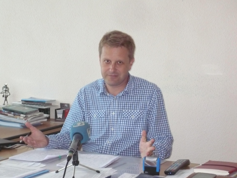 Managerul SJU Tulcea, dr. Tudor Năstăsescu, vrea separarea medicinei de stat de cea privată